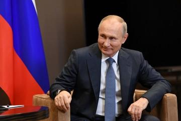 «В прошлый раз все поздравили госпожу Клинтон, а победил Трамп»: Путин объяснил, почему не спешит с поздравлениями Байдену
