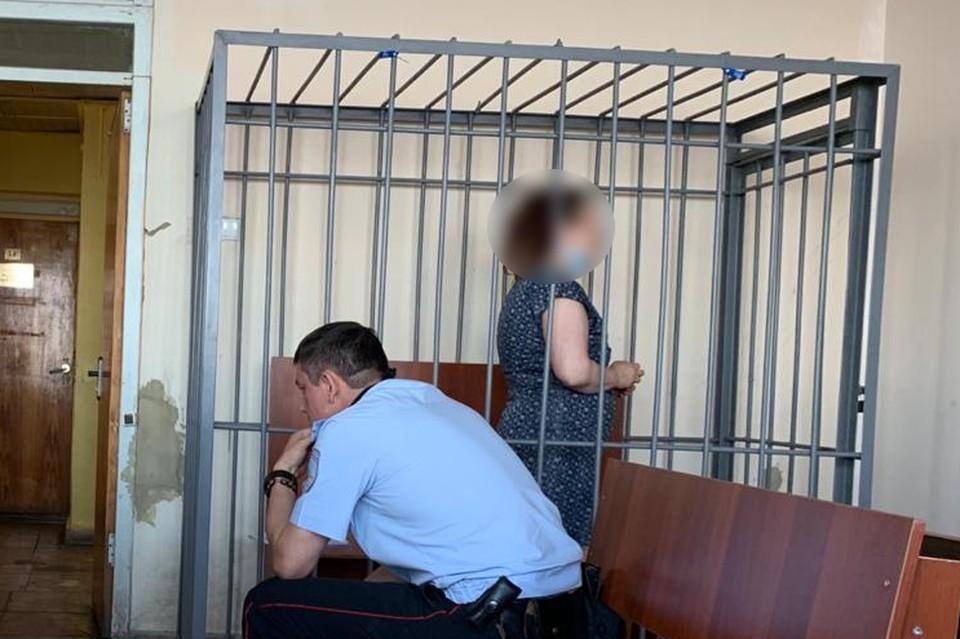 Психически больная собачница в Саратове покусала полицейского и была приговорена к сроку в колонии