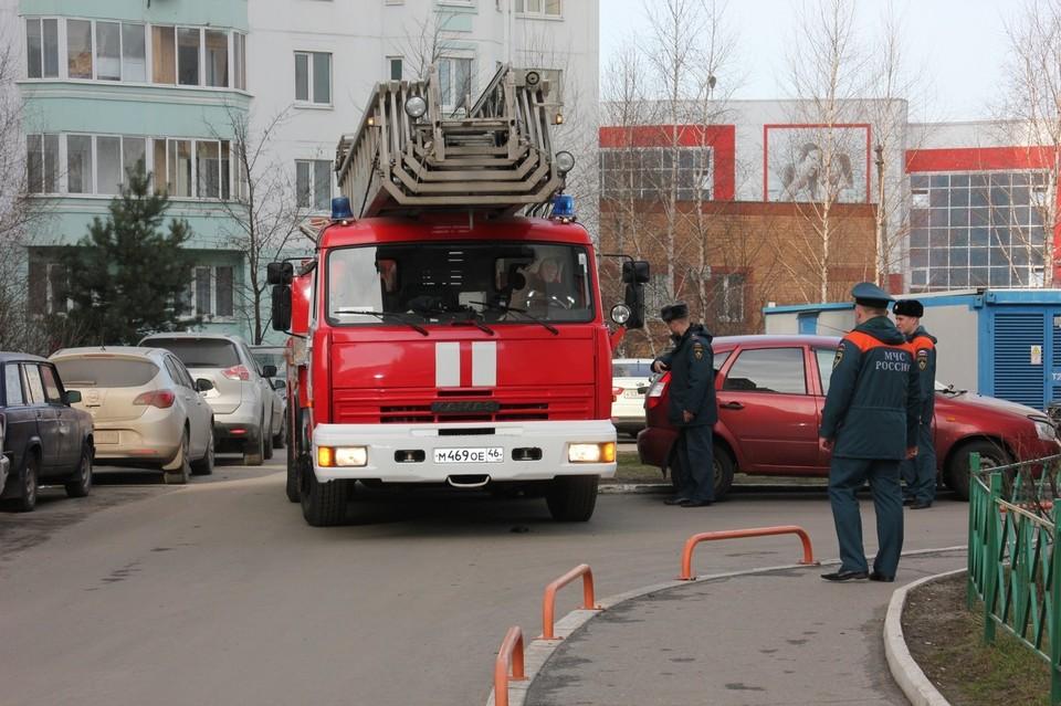 Жильцы начали тушить пожар самостоятельно, но не справились
