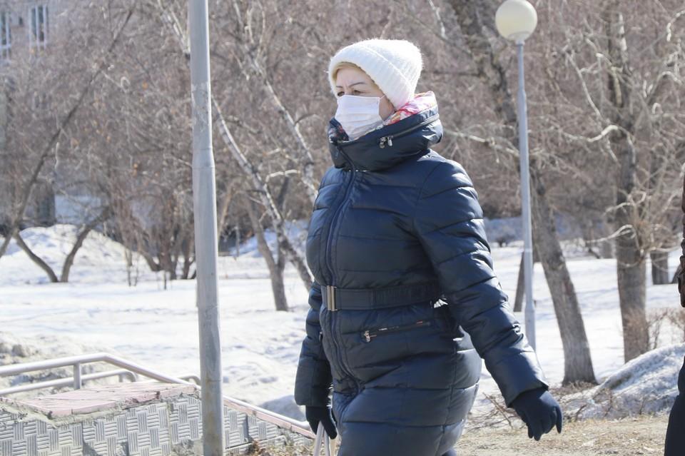 Носить маску теперь нужно и на улице во время массовых мероприятий.