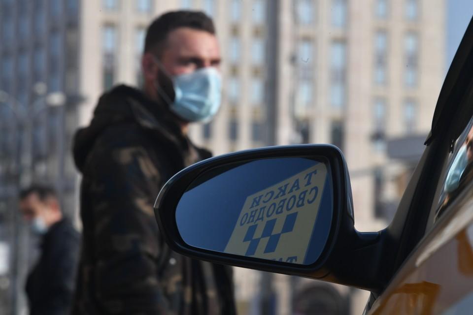 Челябинец Алексей уверен: работать в такси без чувства юмора - нереально