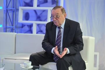 Экс-шеф кремлевской службы протокола: Жискар д'Эстен - участник второй мировой, освобождал от фашистов Париж - и этим все сказано