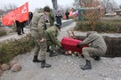 «Нет неизвестных, есть подвиг достойных» В Амвросиевке перезахоронили останки 33 Красноармейцев
