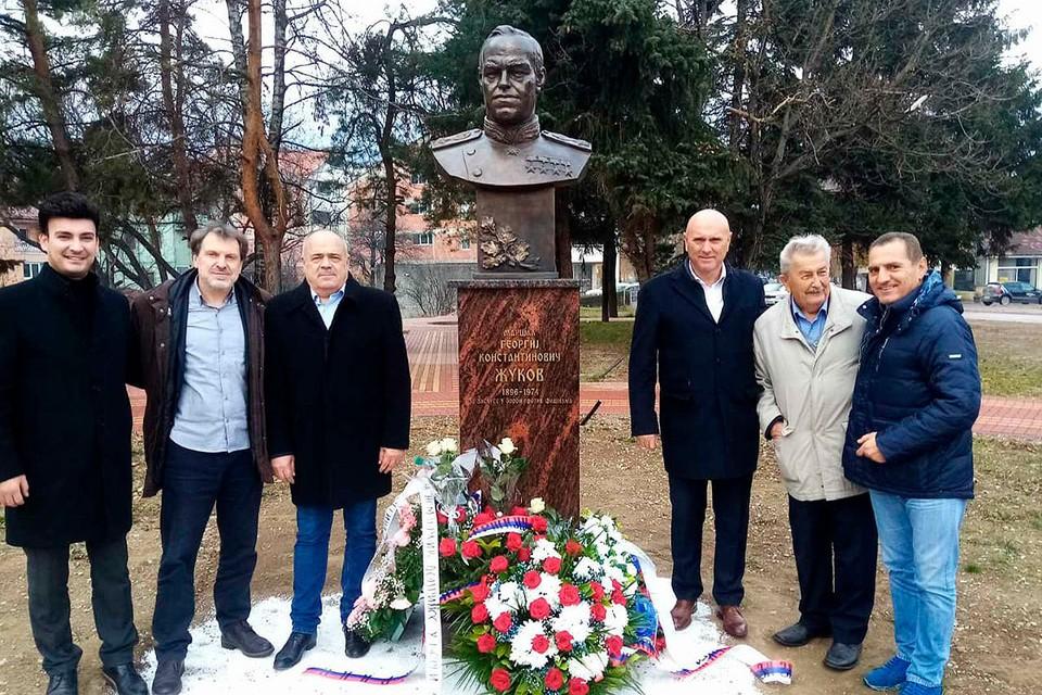 В городе Беране был открыт памятник советскому маршалу Георгию Жукову. Фото: Небойша Юшкович
