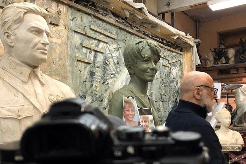 Как живая: памятник доктору Лизе поразил удивительным сходством