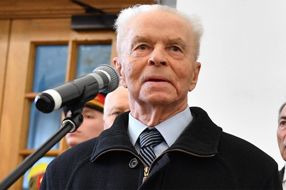 Евгений Тяжельников.