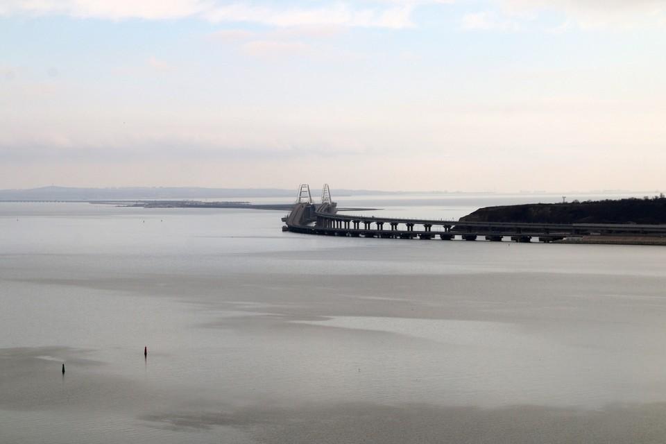 Украинский политолог призвал властей Киева «взорвать Керченский мост».