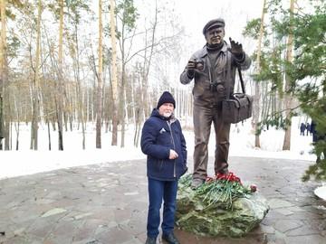 В Воронежском заповеднике открыли народный памятник Василию Пескову