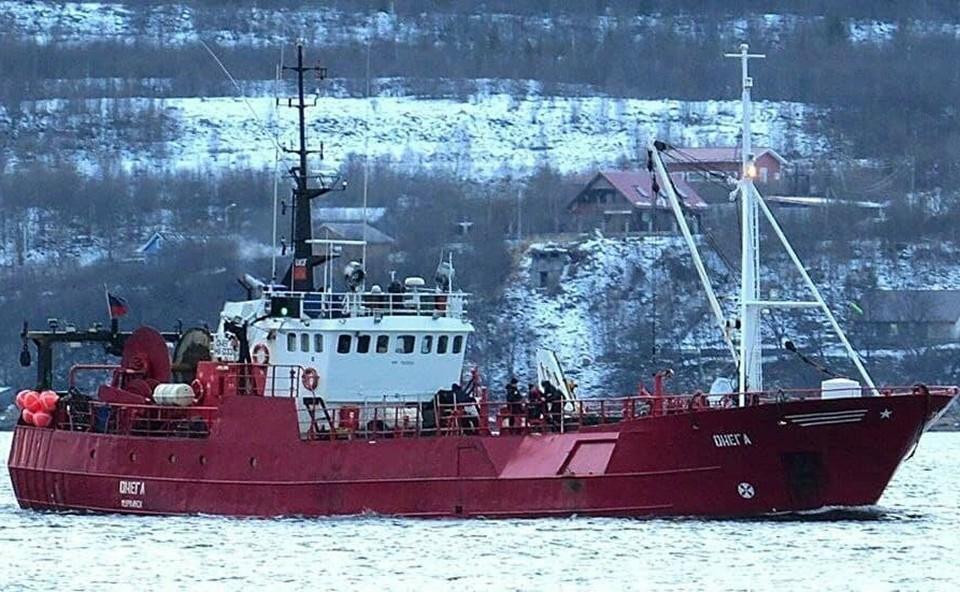 Пока известно о двух спасенных моряках. Фото: ГУ МЧС по Мурманской области.