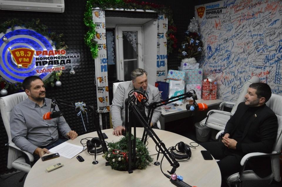 Оппонентом справедливороса выступил депутат федерального собрания от партии «Единая Россия» Борис Гладких