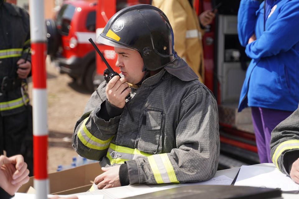 Пока пожарные в Сочи борются с огнём, местные жители поджигают листву