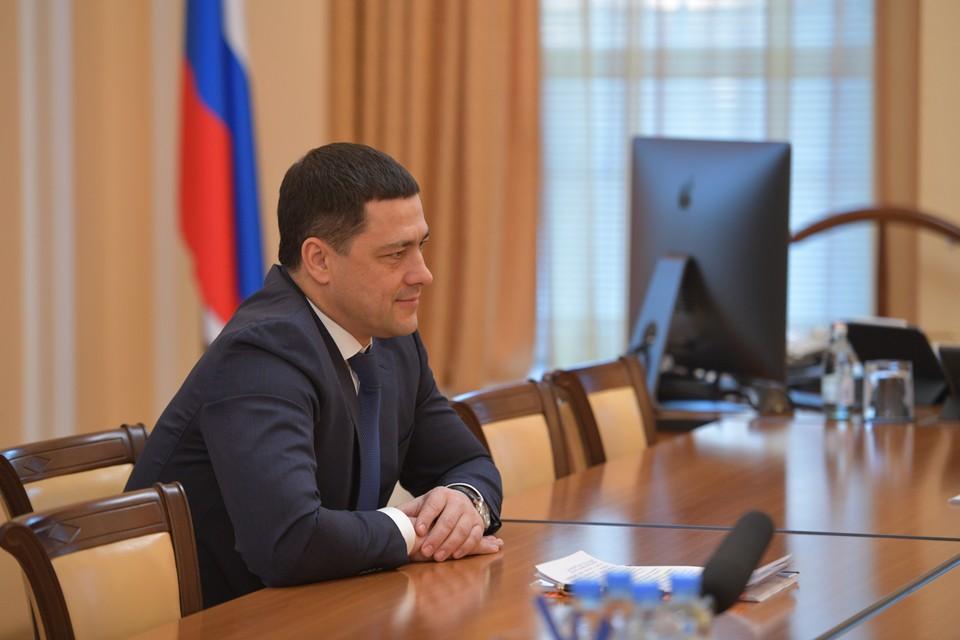 Губернатор Псковской области доложил Путину о ходе ликвидации последствий ледяного дождя.