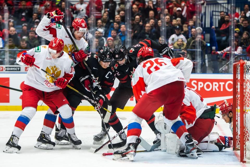 Россия сыграет против Канады.