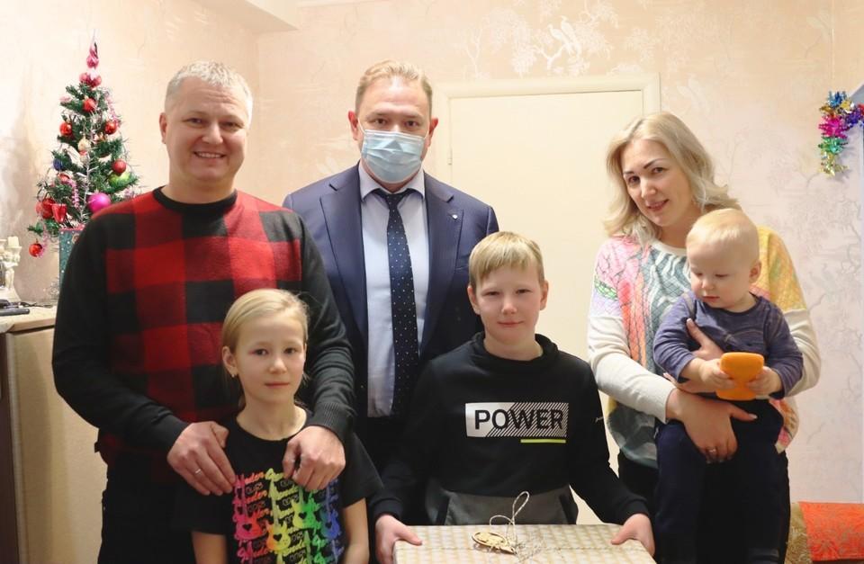 Министр образования, науки и молодежной политики Нижегородской области принял участие в акции «Елка желаний»