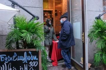 Бары, кафе и рестораны возобновили работу с 4 января в Санкт-Петербурге