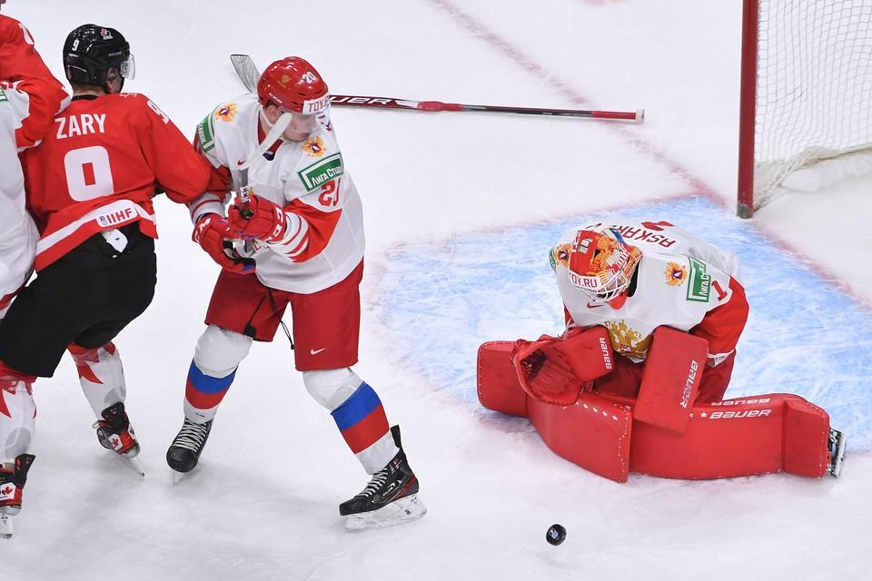 Сборная России пока что проигрывает Канаде в полуфинале МЧМ-2021.