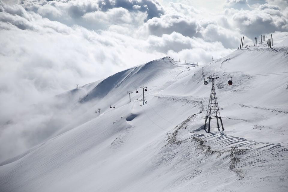 Лавина накрыла горнолыжный курорт в Красноярском крае