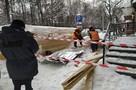 """""""Из-под завалов снега вытащили двух женщин"""". В Перми обрушилось ограждение пешеходного перехода"""