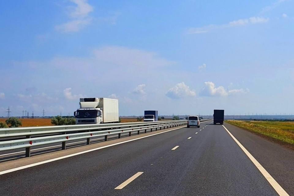 """К концу 2021 года подрядчики отремонтируют дорогу между крымскими селами. Фото: АО """"ВАД"""""""