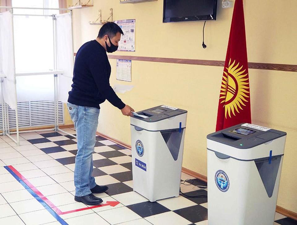 10 января кыргызстанцы выбирают президента и форму правления.