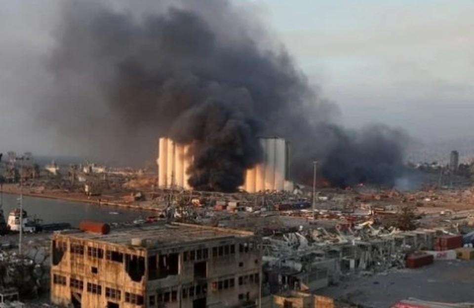 Взрыв в районе порта Бейрута