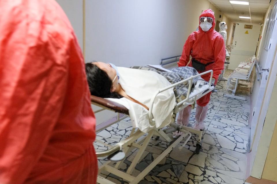 Пожилой мужчина с коронавирусом умер в Кузбассе