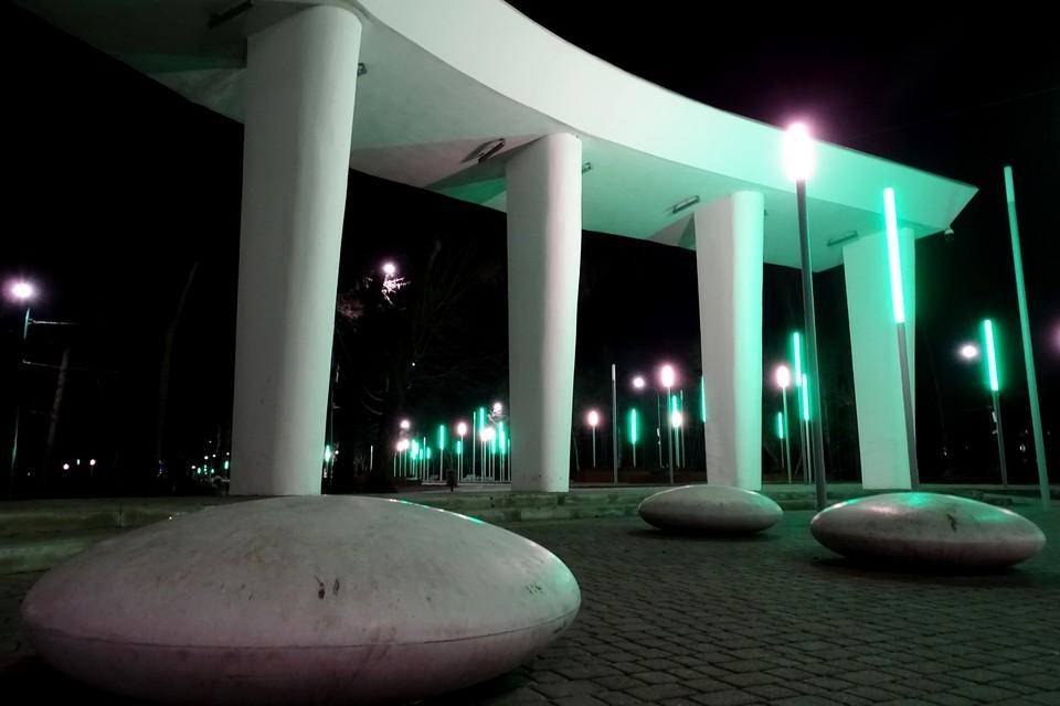 В парке Металлургов в Липецке вандалы испортили стенды