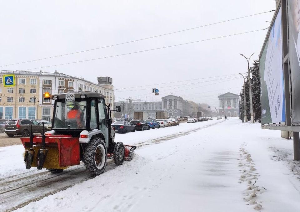 Количество техники, которая задействована в уборке города от снега, постепенно увеличат