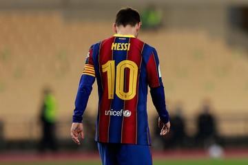 Месси впервые получил красную карточку в играх за «Барселону»