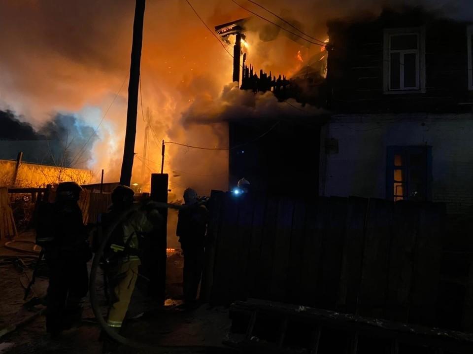 В Благовещенске врачи борются за жизнь пострадавшей при пожаре девочки