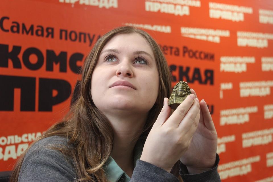 Журналист «Комсомолки», потирая живот денежной жабы, с надеждой смотрит в богатое будущее