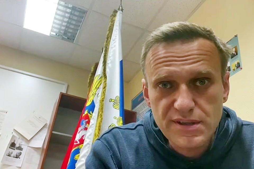 Слишком складно все получается – и с возвращением Навального, и с вышедшим вовремя фильмом о «Дворце», и с объявленным митингом
