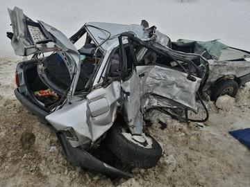 Авария с фурой в Орловском районе: один человек погиб, двое пострадали