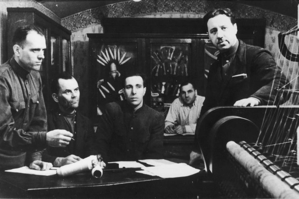 Всего за годы войны комбинат изготовил более 20 тысяч квадратных метров маскировочных сетей.Фото из архива ПНК имени Кирова.