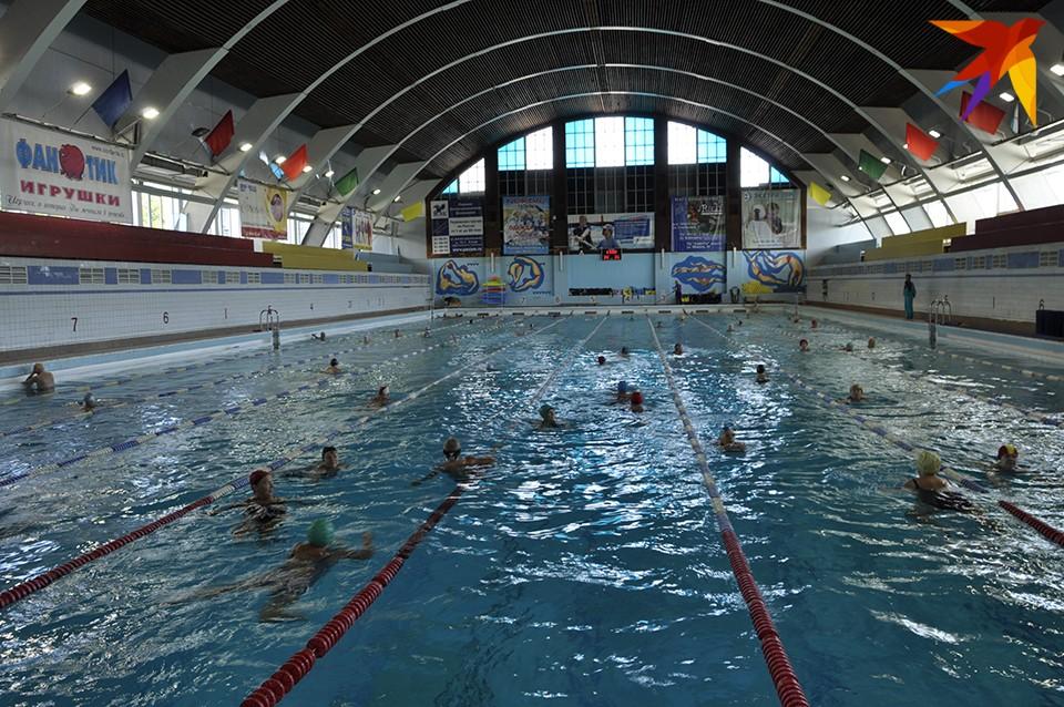О реконструкции бассейна задумались еще при предыдущем областном руководстве и поручили разработать проект.