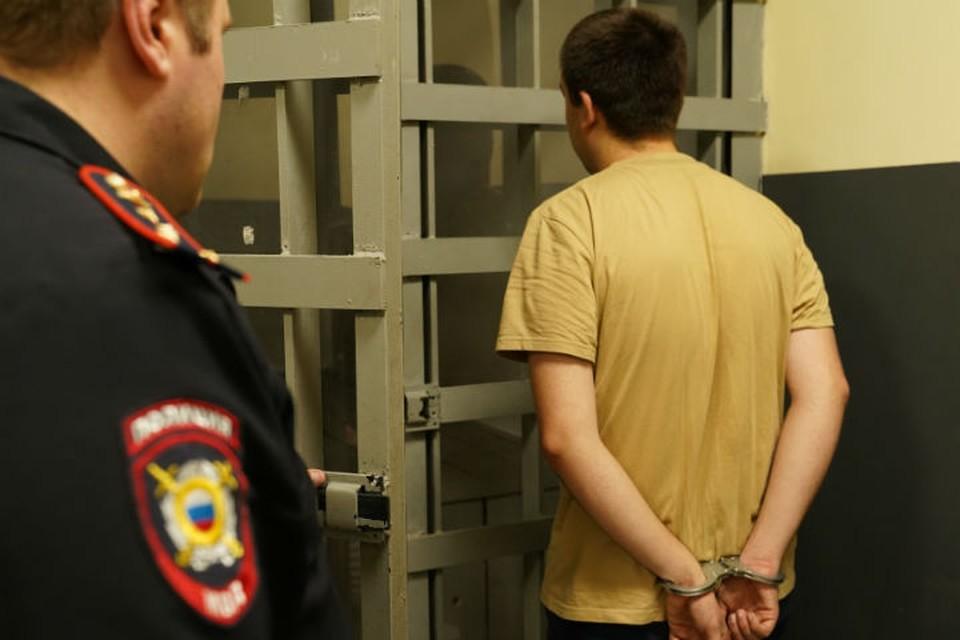 Сибиряк украл у отца невесты 2 миллиона рублей и попался, катаясь на новенькой Ауди