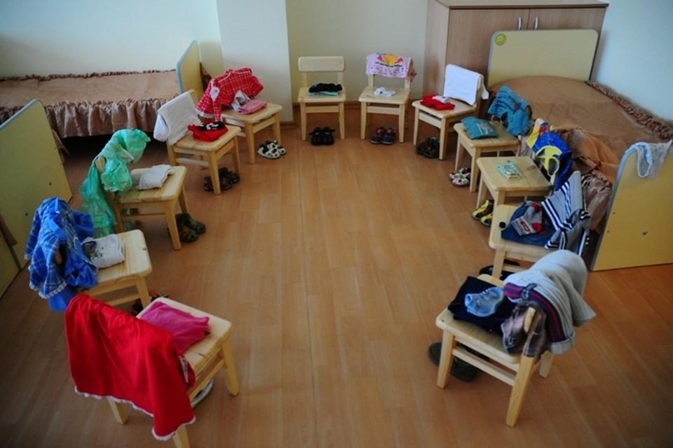 Детский сад подтопило в Иркутске из-за прорыва канализации в м-не Первомайский
