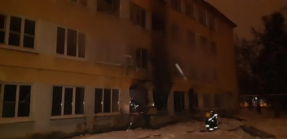 Площадь пожара составила 50 квадратных метров.