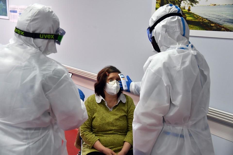 За сутки в Приморье медиками подтверждено еще 125 новых случаев инфицирования COVID-19