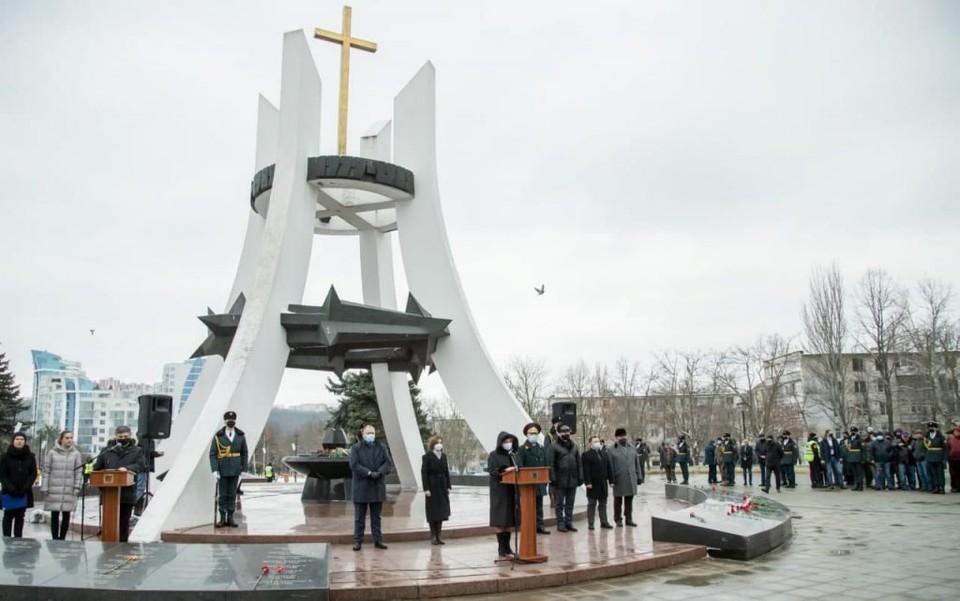 Социалисты почтили память воинов, погибших в Афганистане. Фото: socialistii.md