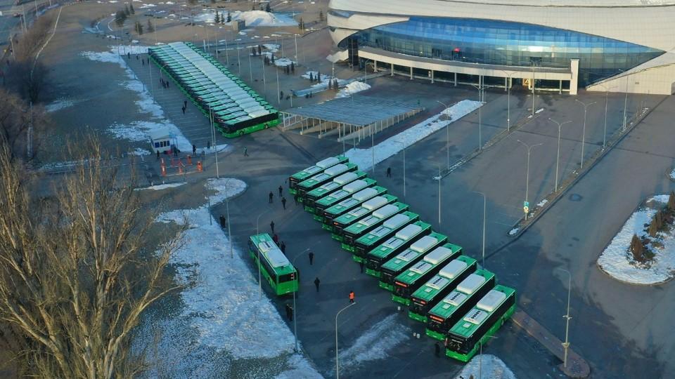 Пока на маршрут вышло 41 новых автобусов, но вскоре прибудут еще более 100 единиц
