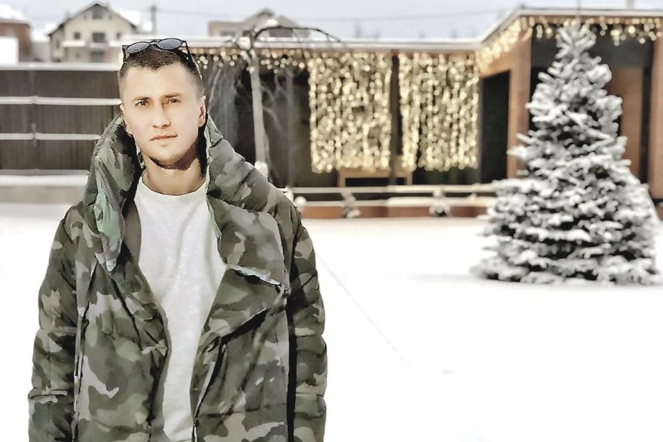 Павел ушел из семьи к своей коллеге по театру Мирославе Карпович.