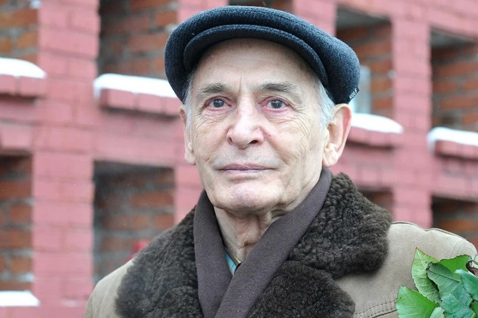Василий Лановой никогда не показывал свою внучку
