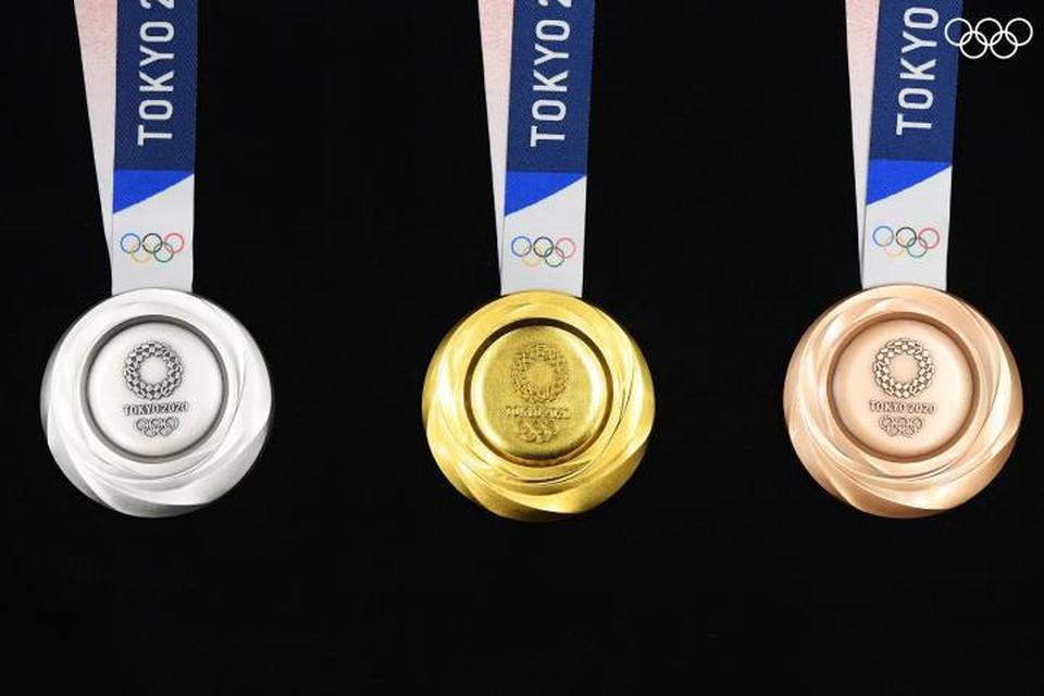 В Токио показали медали Олимпийских игр - 2020. Фото: Twitter Olympics
