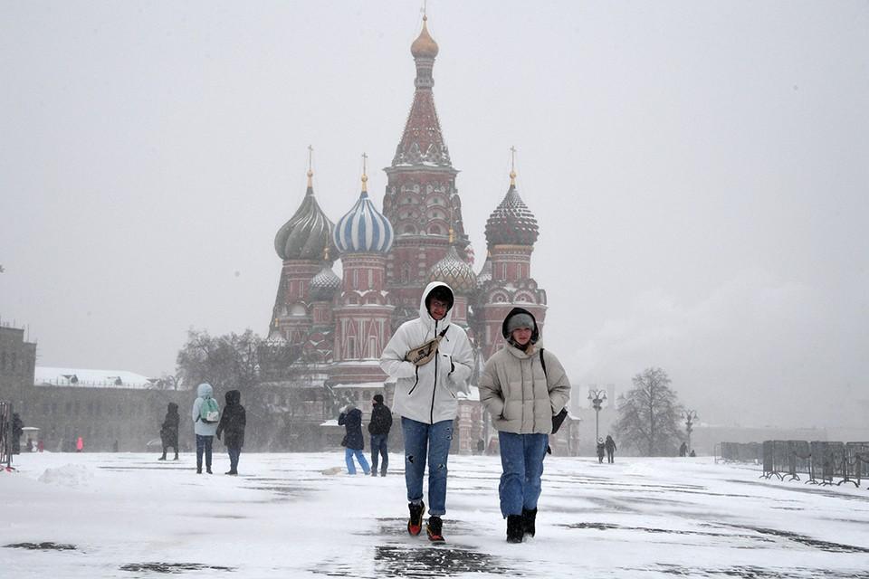 На февральские праздники Москву опять ждут метели.
