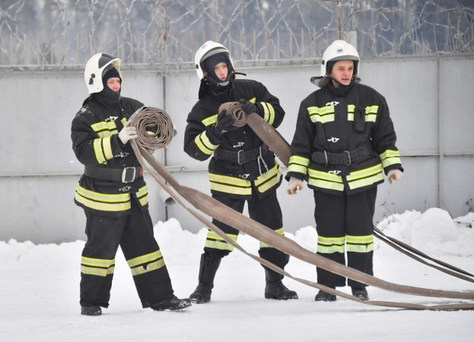 Сотрудники МЧС России напоминают: пожар легче предупредить, чем потушить