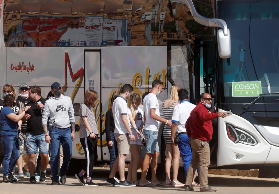 Туристический автобус попал в ДТП в Египте: три человека госпитализированы