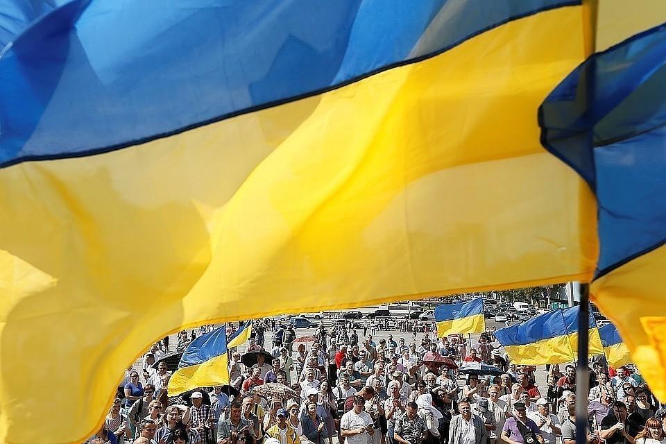 Украина ввела санкции против пяти россиян и трех украинцев