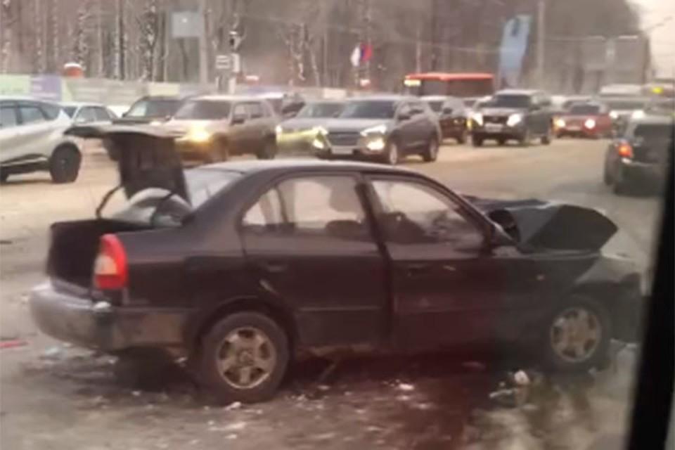 Две иномарки столкнулись лоб в лоб на проспекте Гагарина утром 20 февраля.