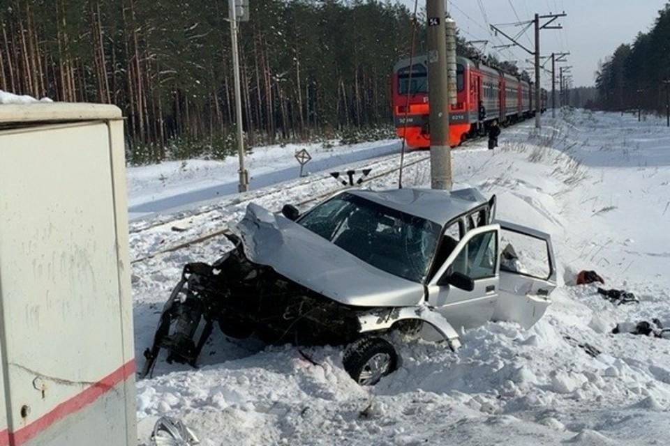 В аварии погибли три человека: две женщины и мужчина.